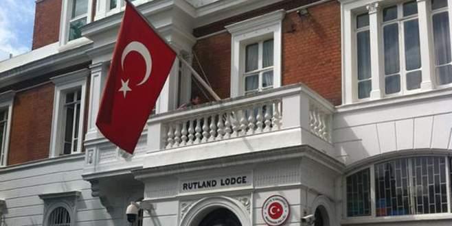 Londra'daki Türk diplomatlara maaş şoku