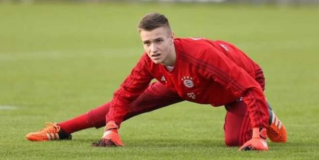 15 yaşında Bayern kampında