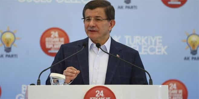 Davutoğlu: Terörle mücadeleyi başlatmasaydık Türkiye kaosa sürüklenebilirdi