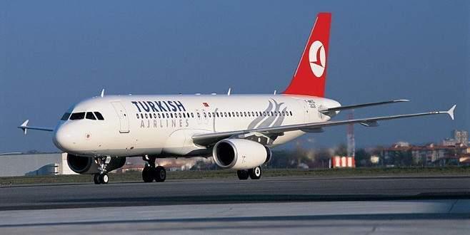 Taşkınlık yapan Rus yolcular THY uçağından indirildi