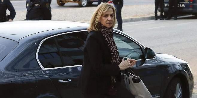 İspanya'da Prenses Cristina sanık sandalyesinde