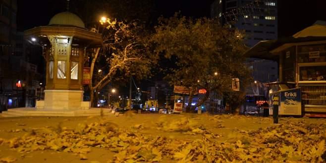 Bursa'da lodos gece boyunca etkisini gösterdi