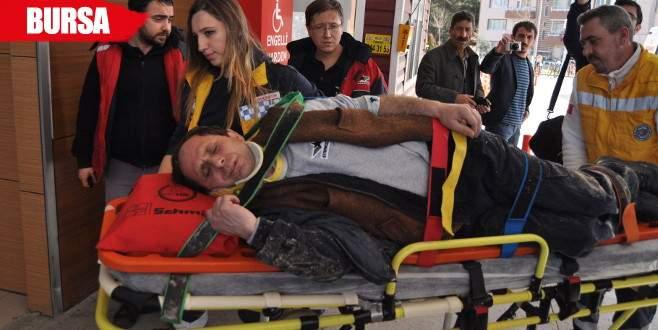 Kepçenin altında kalan işçi ağır yaralandı
