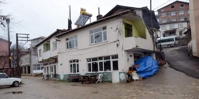 Dağakça'ya meydan ve hizmet binası