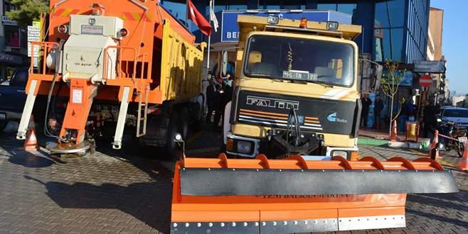Karacabey'de karla mücadele ekipleri güçleniyor