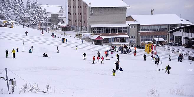 Uludağ'da kar kalınlığı artıyor