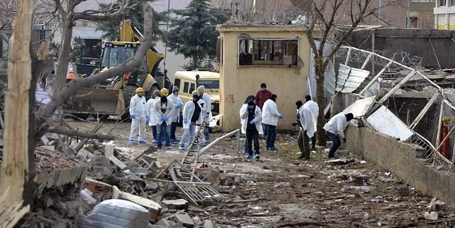 Diyarbakır'daki terör saldırısıyla ilgili 2 şüpheli gözaltında
