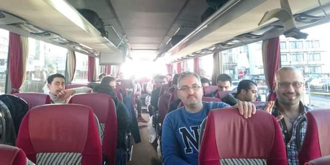 Otobüs dolusu sığınmacıyı başbakan Merkel'e gönderdi