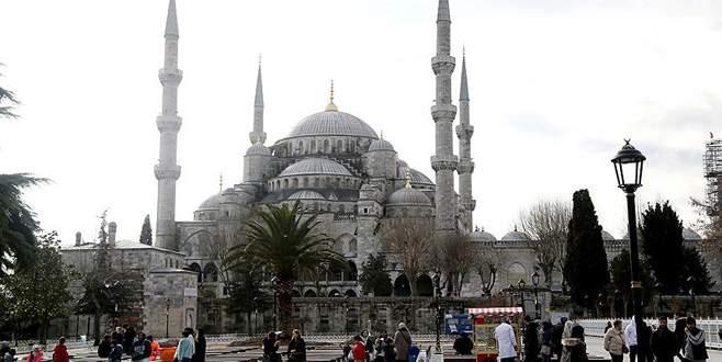 Terör saldırısı sonrası Sultanahmet'te ilk cuma namazı