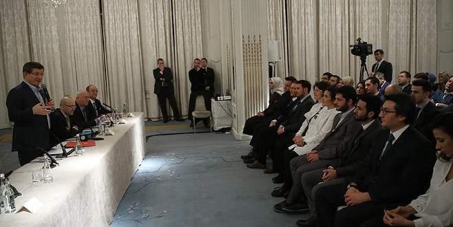 Başbakan Davutoğlu TÜRKEN Vakfı heyetini kabul etti