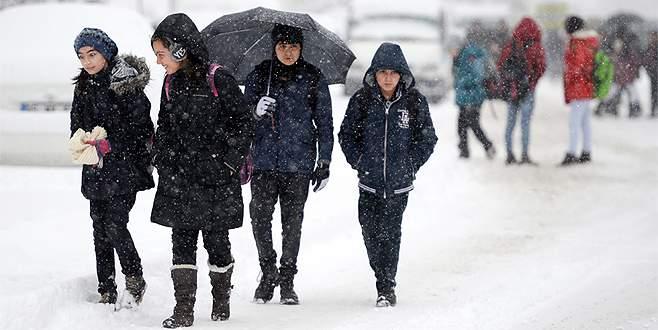 Bursa'da okullar yarın tatil mi? (19 Ocak Salı günü okullar tatil mi?)