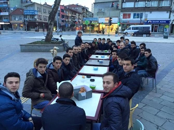 Düzce'de Gençler Sabah Namazında Buluştu