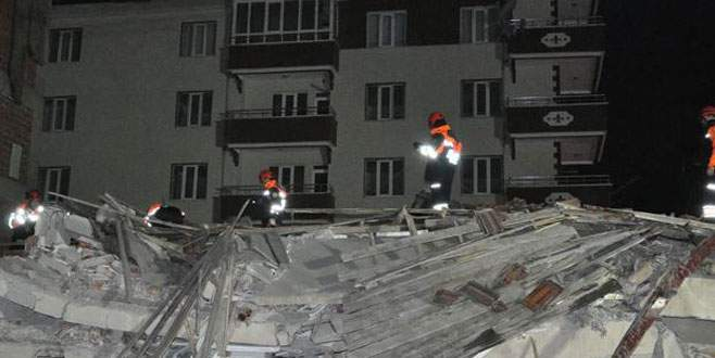 Beş katlı apartman çöktü