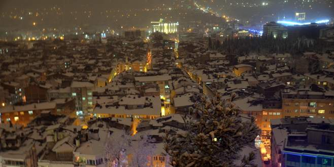 Bursa'da kar yağışı kartpostallık görüntüler oluşturdu
