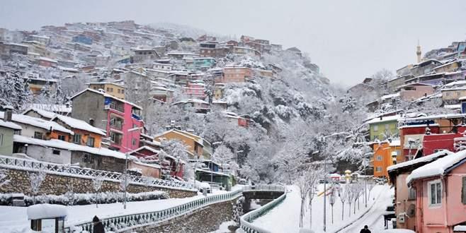 Bursa'da kar ve tipi yaşamı olumsuz etkiledi