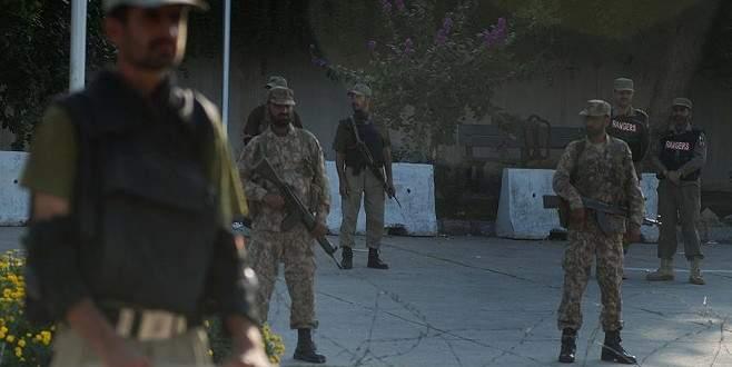 Üniversiteye saldırı: 25 ölü