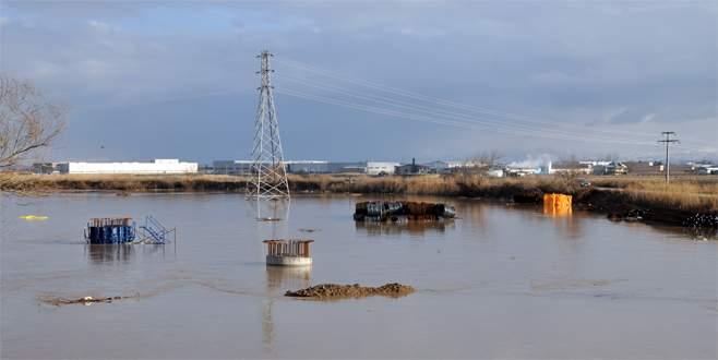 Otoyol inşaatı sular altında