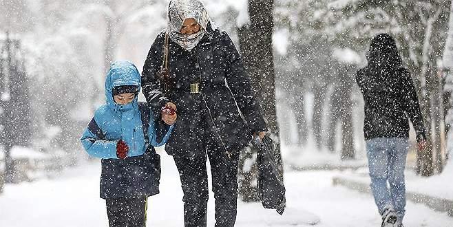 Bursa'da eğitime kar engeli!