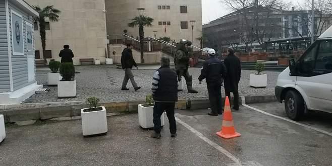 Bursa adliyesinde bomba paniği!