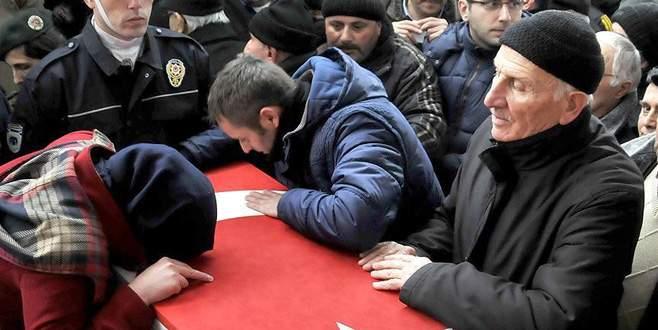 Şehit polis memuru Özdere toprağa verildi