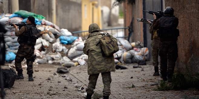 Belediye taziye evi PKK reviri çıktı