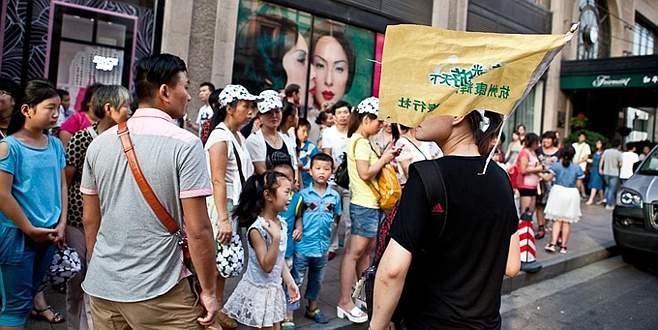 Çinli turistler 200 milyar dolar harcadı
