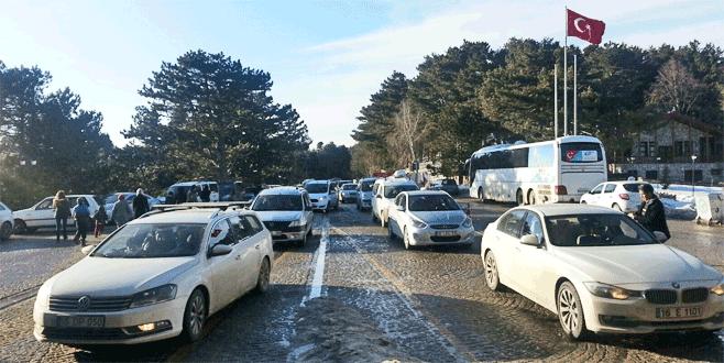 Uludağ'a rekor araç girişi