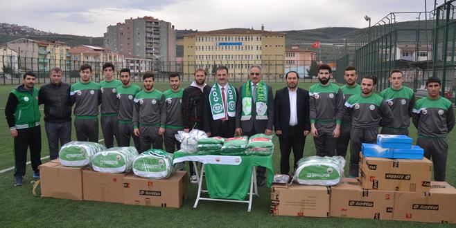 Çotanakspor'a malzeme desteği
