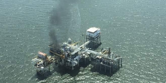 Petrol platformunda yangın: 2 ölü