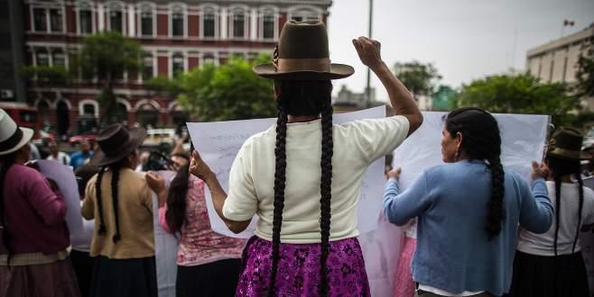 Peru'da kısırlaştırılmış kadınların protestosu