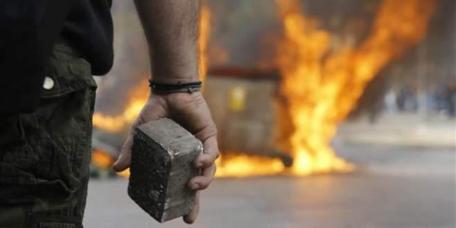 Yunanistan yangın yerine döndü!