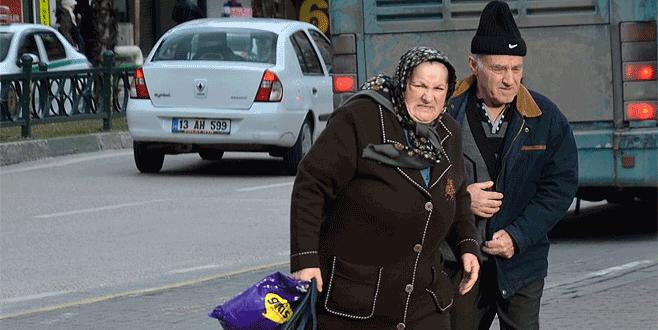 Lodos Bursa'da yürümeyi bile zorlaştırıyor