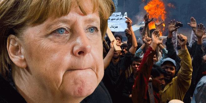 Merkel'e 'Türkiye' tepkisi