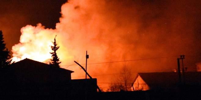 PKK'lılar iki okulu ateşe verdi