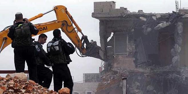 İsrail, 'kaçak' okulu yıktı