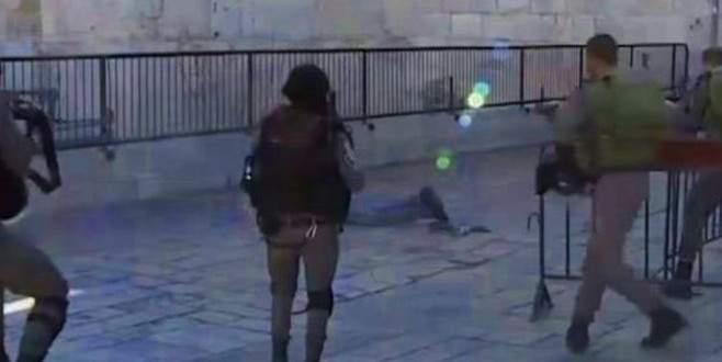 Vurulduktan sonra düşen Filistinli'yi kurşuna dizdiler