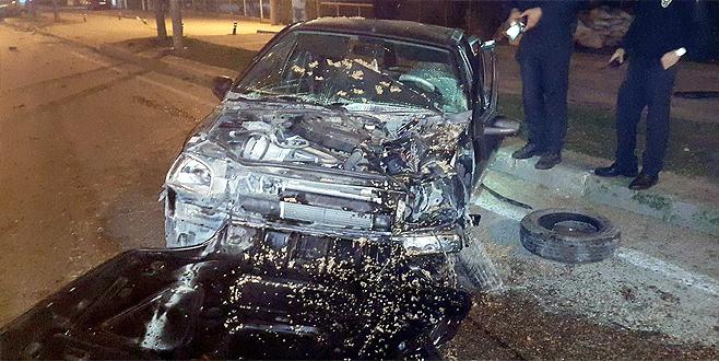 Bursa'da metrelerce sürüklenen araçtan sağ çıktı