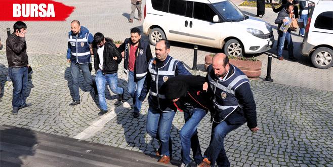 Bursa'da 7 çelik kasayı parçalayan hırsızlar yakayı ele verdi
