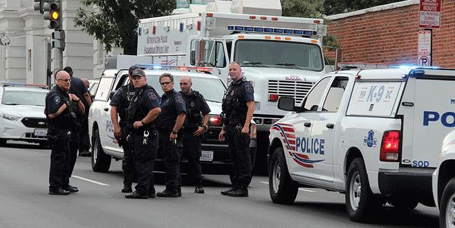 Fabrikaya ateş ederek girdi: 4 ölü, 14 yaralı
