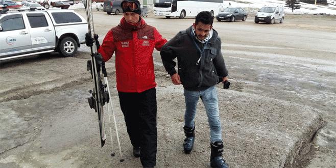 Uludağ'da mahsur kalan turisti JAK kurtardı