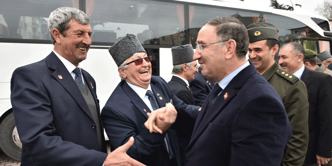 Mustafakemalpaşalı gaziler Kıbrıs'a gitti