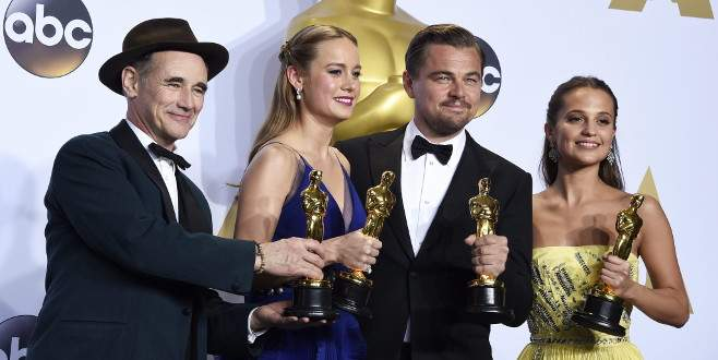 DiCaprio bu kez güldü