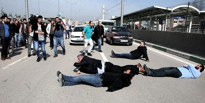 Renault işçileri Mudanya karayolunu kapattı
