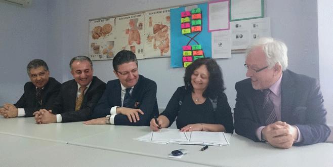Sentez Ortaokulu'ndan Bulgar okulla kardeşlik protokolü