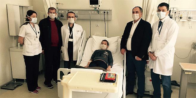 Cezayirli çocuk Bursa'da şifa buldu