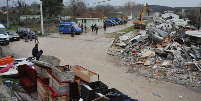 Bursa'da gece kulübü yıkıldı