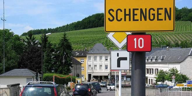 AB Komisyonu'ndan Schengen için yol haritası