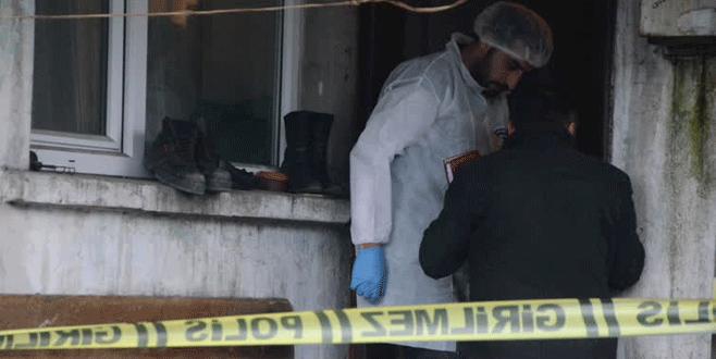 İki katlı müstakil evde 3 ceset bulundu