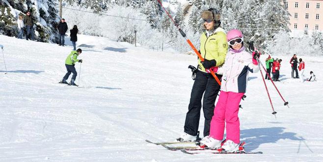 'Mart karı' Uludağ'da pistleri doldurdu