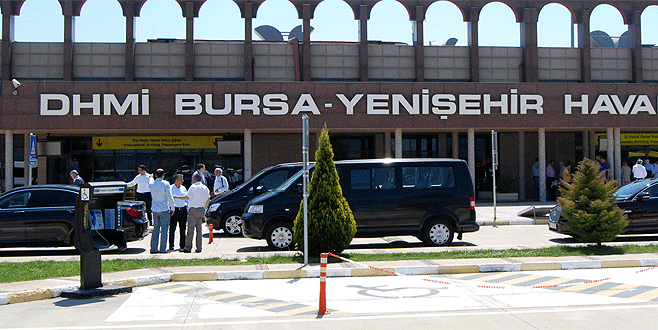 İstanbul hava sahası doldu, uçakların rotası Yenişehir'e